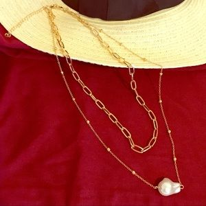 Pearl gold tone chain necklace
